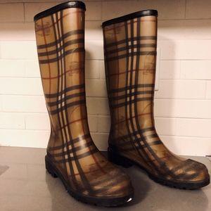 Burberry classic plaid check rain boots